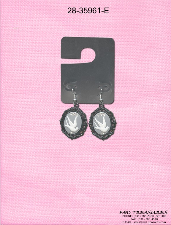 Dove Cameo Earring