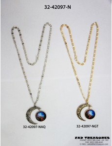 Chain With Design Moon & Glass Image Necklace